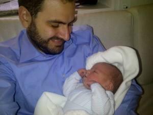 Con mi primer hijo, Miguel, pocos momentos después de su nacimiento, el 11.XI.2013